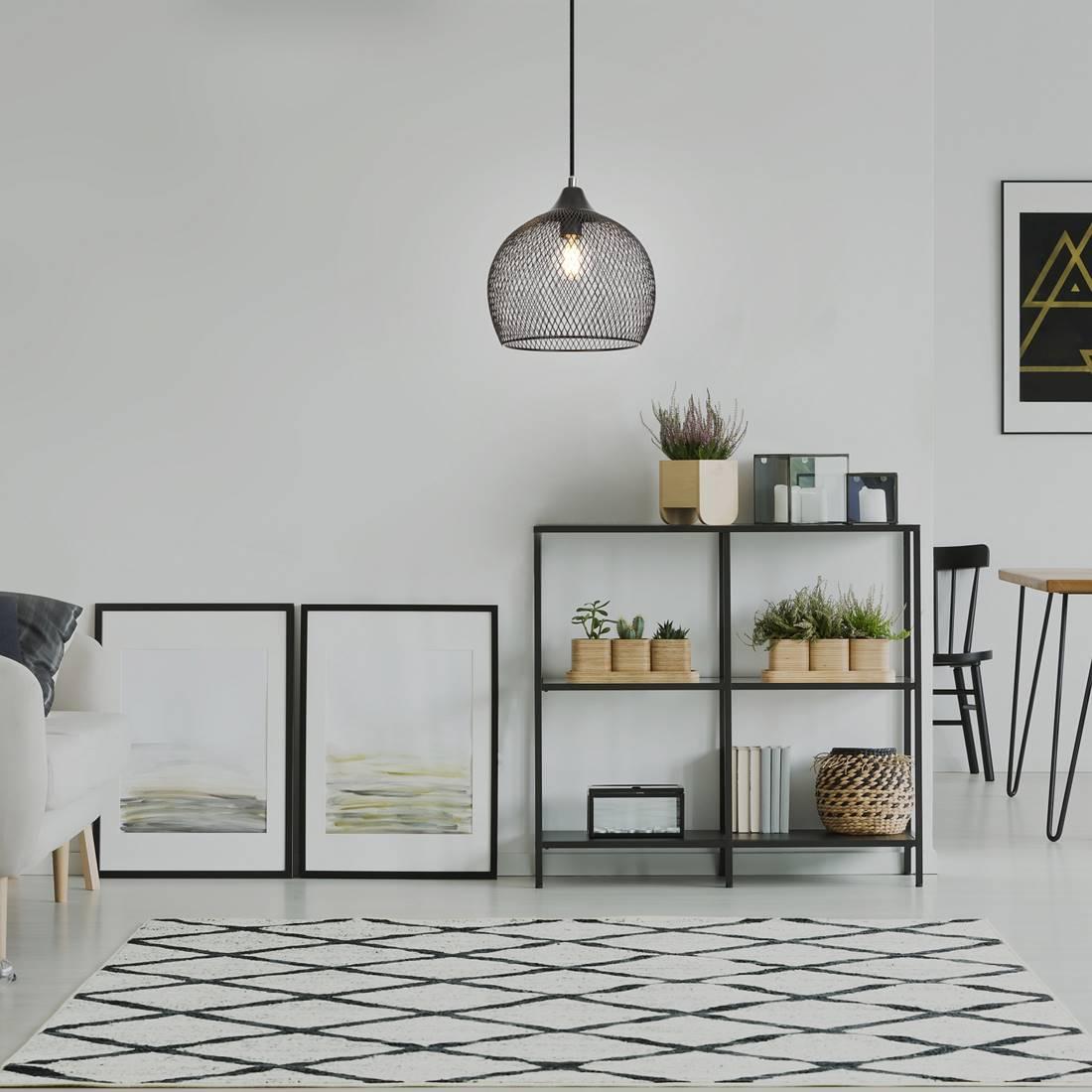 pendelleuchte ronan metall schwarz b 18cm h 127cm. Black Bedroom Furniture Sets. Home Design Ideas